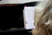 klavier-orgel-gesang-katharina-schaefer-piano-stuttgart-ludwigsburg-gerlingen-klavierunterricht-pianistin-hochzeitsmusik_fluegel