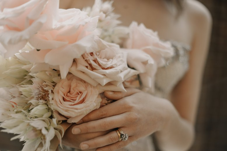 wedding-flowers-and-rings